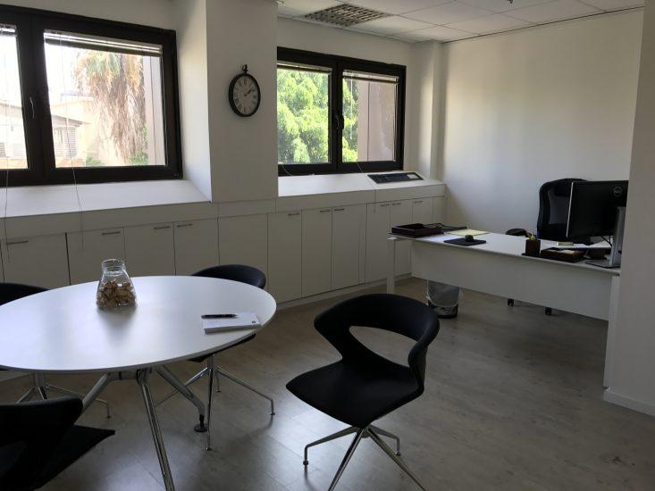 משרד בבניין ייצוגי בגבעת שאול