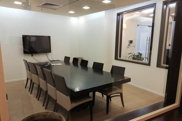 משרדים להשכרה בבניין גמאטרוניק - חדר ישיבות